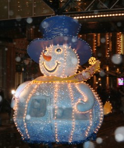 snowman float at holidazzle parade, minneapolis