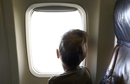 "Free ""Parents Guide to Kids Flying Solo"" Provides Valuable Information For Parents of Kids Traveling Alone This Summer"
