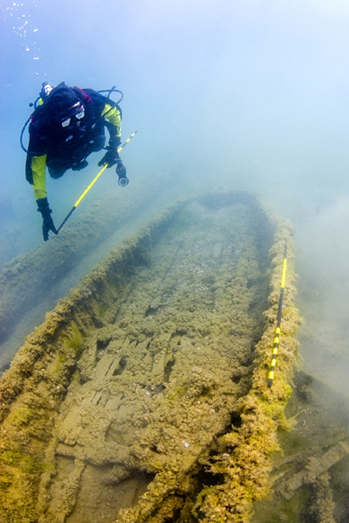 In Autumn, Divers Explore Traverse City's Many Shipwrecks