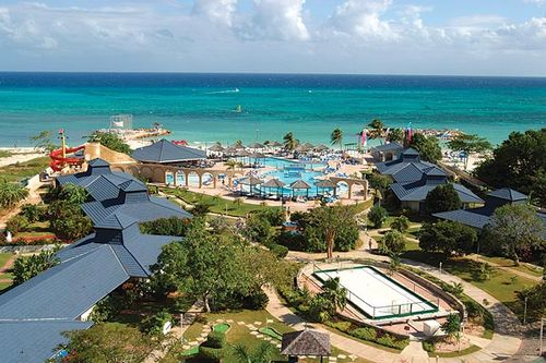 Top Family Resorts in Jamaica for a Family Beach Vacation!