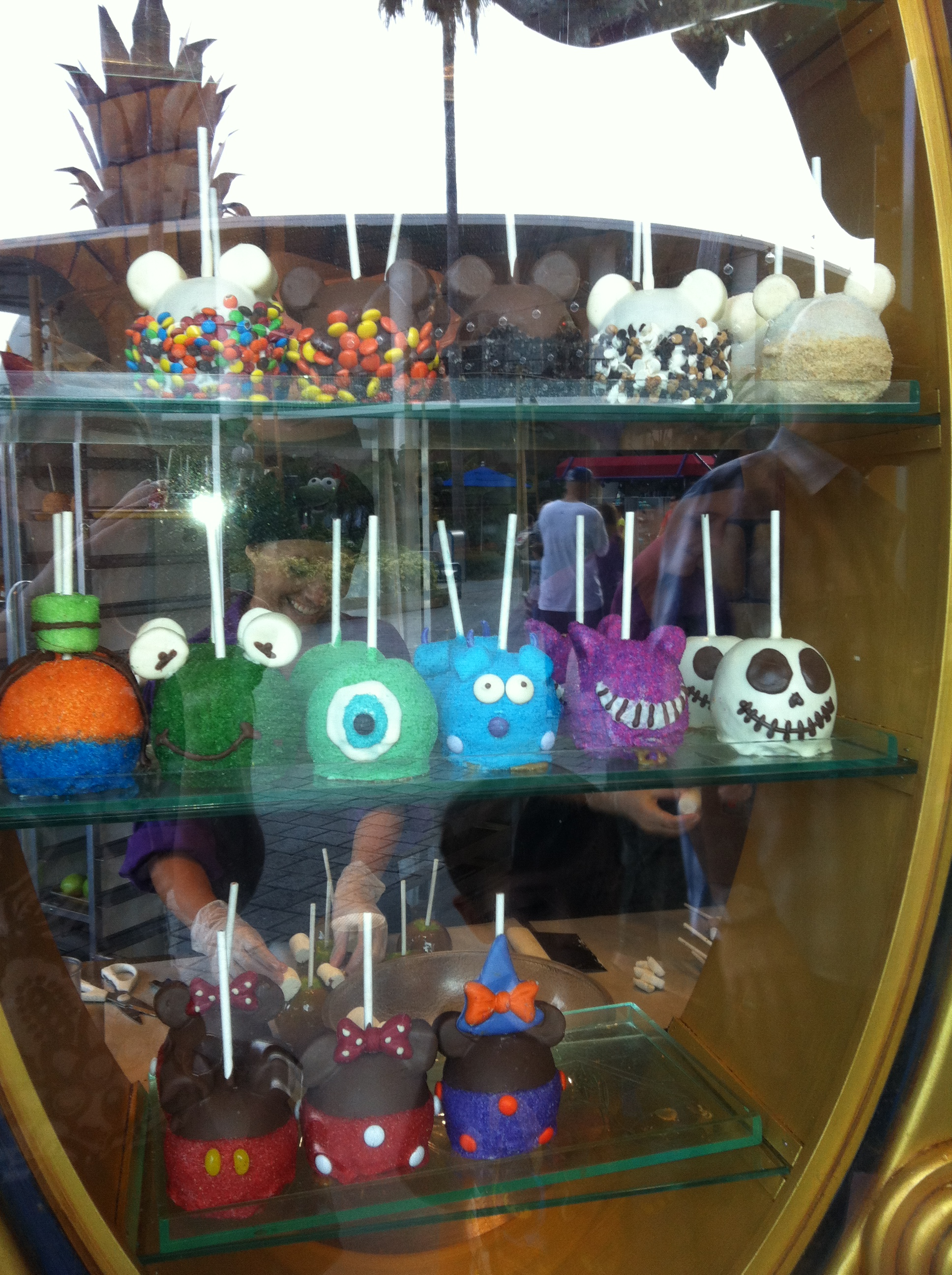 Photo Friday Caramel Apples Disney Style Family Vacation Experts Best Kid Friendly Travel