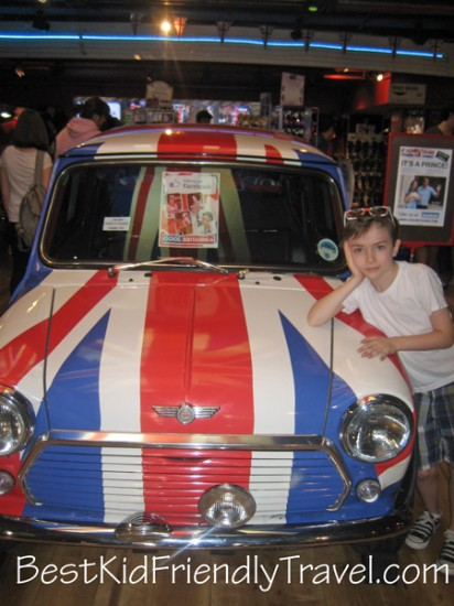 cool brittania - London vacation - copyright Stephany Wiestling - All rights reserved.