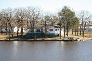 Hotel in East Texas, Where to stay in East Texas, Trinity Pines vacation Cottages - The Lodge - sleeps up to 12